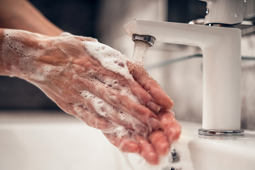 Lavese las manos